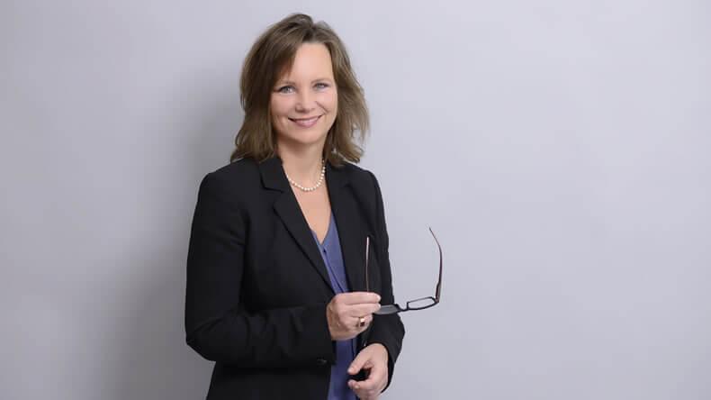 Notarin, Rechtsanwälting Bettina Selzer